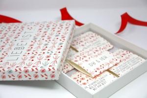 Valentinstag Geschenk Liebe ist... personalisiert & mit Pralinen