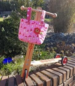 hübsche genähte Lenkertasche, Kindergartentasche oder Stuhltasche in pink mit Pilzmuster - Handarbeit kaufen