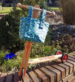Lenkertasche für Roller oder Dreirad, Gartenstuhl oder Kinderwagen, oder hier hüpfen die Frösche - Handarbeit kaufen