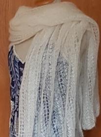 handgestrickte hauchzarte Stola für die Braut in weiß - Unikat - Handarbeit kaufen