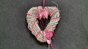 Tür- und Wandkranz in Herzform- ein besonderes Willkommen- weiß und pink - Handarbeit kaufen