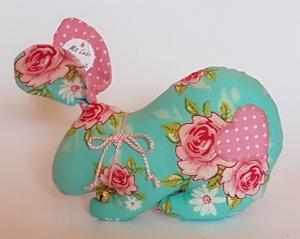 genähtes Häschen mit Schlappohren in türkis mit rosa Blüten - mit Glöckchen - Handarbeit kaufen