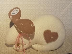 genähtes Häschen mit Schlappohren - in Naturtönen - Schönes für das Osternest - Handarbeit kaufen
