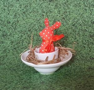 genähtes Häschen im Eierbecher - orangefarbener Baumwollstoff mit weißen Punkten - Schönes für den Frühsückstisch - Handarbeit kaufen