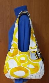 Lässige genähte Schultertasche oder Boho Bag zum Wenden in den Farben hellbeige/gelb/grau/schwarz - Handarbeit kaufen
