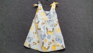 süßes genähtes Hängerchen/Kleid mit Schmetterlingsmuster für Mädchen - Handarbeit kaufen