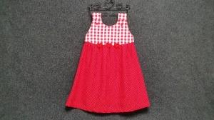 genähtes Mädchenkleid/Hängerchen aus Baumwollstoff - rot und weiß - kariert und gepunktet - mit gehäkelten Herzen -  für Zwillinge geeignet - Handarbeit kaufen