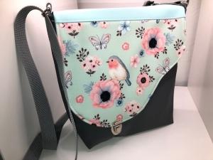 Sehr schöne Handtasche Tasche aus Kunstleder mit  tollem hellblau Vogel Stoff  handarbeit  - Handarbeit kaufen