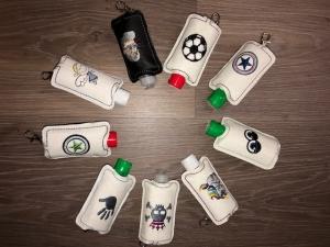 Taschenbaumler/ Schlüsselanhänger, Anhänger für Desinfektionsmittel - Handarbeit kaufen