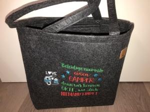 Sehr schöne bestickte Filztasche/ Tragetasche/ Shopper Camper, Camping Spruch  - Handarbeit kaufen