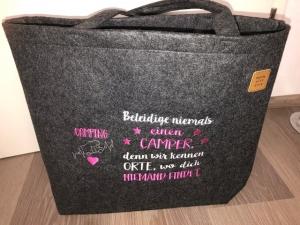Sehr schöne bestickte Filztasche/ Tragetasche/ Shopper Camper, Camping Spruch  Wohnmobil - Handarbeit kaufen