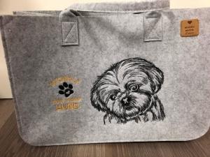 Sehr schöne bestickte Filztasche/ Tragetasche/ Shopper Shi Tzu, Nicht ohne meinen Hund   - Handarbeit kaufen