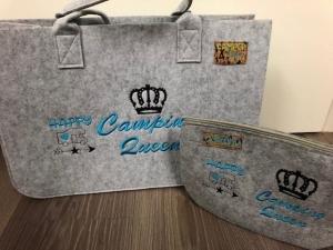 Sehr schöne bestickte Filztasche/ Tragetasche/ Shopper und Kosmetiktasche Camper Wohnmobil - Handarbeit kaufen