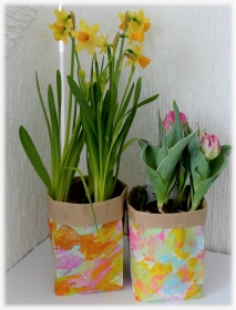 Eine Tüte voller Blumen - verschenken Sie Ihre Blumen einmal auf die originelle Art und Weise