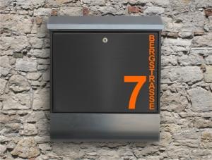 Briefkastentattoo in Wunschfarbe - Stripe 06 - 10cm Höhe - Namensaufkleber - Adressaufkleber - Personalisiert - Individuell - Individualisierbar - Design Out Of Norm