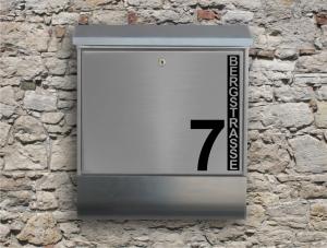 Briefkastentattoo in Wunschfarbe - Stripe 08 - 10cm Höhe - Namensaufkleber - Adressaufkleber - Personalisiert - Individuell - Individualisierbar - Design Out Of Norm