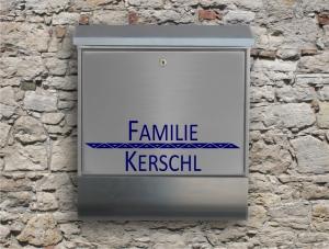 Briefkastentattoo in Wunschfarbe - Stripe 14 - 15cm Breite - Namensaufkleber - Adressaufkleber - Personalisiert - Individuell - Individualisierbar - Design Out Of Norm