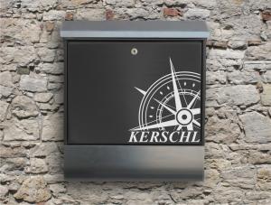 Briefkastentattoo in Wunschfarbe - Windrose 02 - Namensaufkleber - Adressaufkleber - Personalisiert - Individuell - Individualisierbar - Kompass - Maritim - Design Out Of Norm