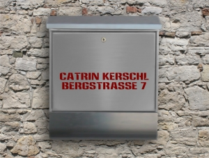 Briefkastentattoo in Wunschfarbe - Adresse 04 - Namensaufkleber - Adressaufkleber - Personalisiert - Individuell - Individualisierbar - Design Out Of Norm