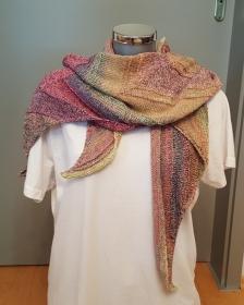 gestricktes Tuch in den Farben des Herbstes aus reiner Baumwolle mit vier Ecken - Handarbeit kaufen