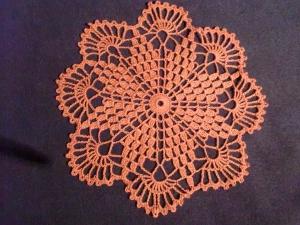 Häkeldeckchen  in altrosa, handmade,  27cm Durchmesser