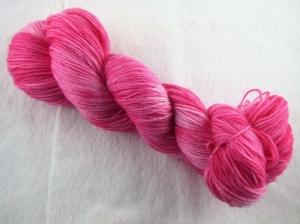handgefärbtes Lacegarn (3-fädig) *extra kuschelig* (100gr/ 550m) Himbeer-Sahne-Torte - Handarbeit kaufen