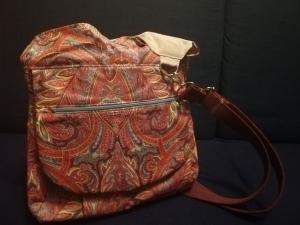 Ideal für unterwegs: Tasche und Rucksack in einem