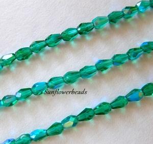1 Strang Glasschliff Tropfen emerald (grün) AB - 16 Stück, böhmische Glasperlen - Handarbeit kaufen