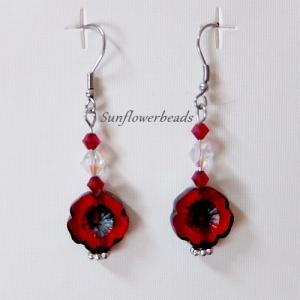 Ohrringe silber mit böhmischen Table cut Perlen Hawaii Blume rot, handgemacht - Handarbeit kaufen