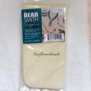 2 Stck. Fädelunterlage für Perlenarbeiten, Fädelmatte, Perlenmatte cremefarben