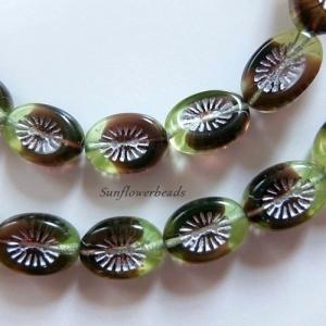 10x schön gemusterte böhmische Table cut Perlen, oval 14 x 11 mm, grün rotbraun - Handarbeit kaufen