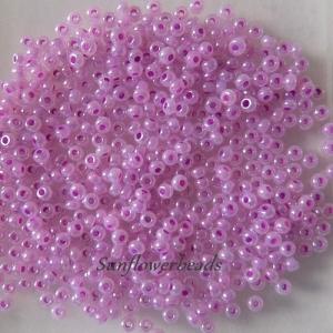 50 gr. böhmische Rocailles flieder, zum Herstellen von Perlenschmuck, Perlenhäkeln, Basteln, Fädelarbeiten - Handarbeit kaufen