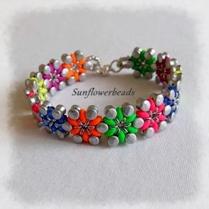 Armband aus Glasperlen, handgemacht, mit bunten Blüten, gefädelt aus verschiedenen Glasperlen  - Handarbeit kaufen