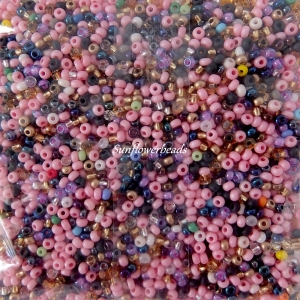 50 gr. böhmische Rocailles, rosa mix, für alle Perlenarbeiten geeignet