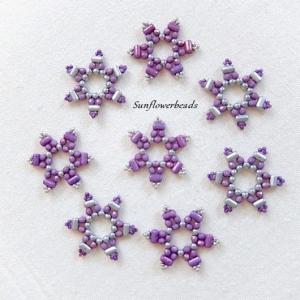 8x Weihnachtsanhänger, Geschenkanhänger aus Glasperlen, Stern, lila silber - Handarbeit kaufen
