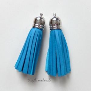 2x Quaste aus Velour, Kunstleder, blau türkis mit silberner Kappe  - Handarbeit kaufen