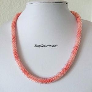 Halskette aus Glasperlen, Häkelkette, kristall mit apricot, Farbverlauf - Handarbeit kaufen