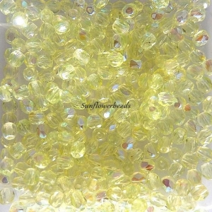 50 Stück böhmische Glasschliffperlen 4 mm, hellgelb AB