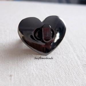Taschenverschluss metallgrau, gunmetal, Herzform, Drehverschluss für Taschen und Geldbörsen  - Handarbeit kaufen