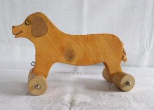 Handgefertigter Spielzeug-Hund aus Holz für Kinder,  zum Nachziehen und Schieben -Deutsche Handarbeit-    - Handarbeit kaufen