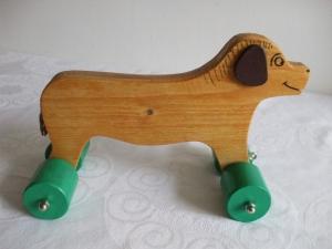 Spielzeug-Hund aus Holz zum Nachziehen und Schieben -Deutsche Handarbeit-     - Handarbeit kaufen