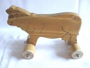 Handgefertigte Spielzeug-Kuh aus Holz für Kinder, zum Nachziehen und Schieben -Deutsche Handarbeit-     - Handarbeit kaufen