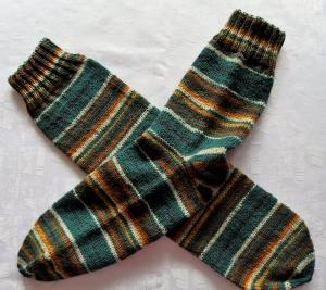 handgestrickte Socken Gr.42-44 in grün gemustert