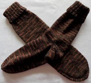 handgestrickte Socken Gr. 38/39 in braun gestreift