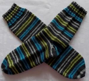 handgestrickte Socken Gr. 36/37 in blau/grün gestreift
