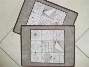 Tischset aus Baumwollstoffen -  von Hand gequiltet - geometrisches Muster