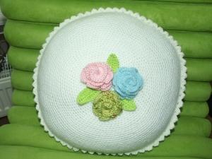 Kissen mit Rosenblüten - Handarbeit kaufen