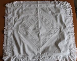 Vintage 2 Stück Kissenbezüge Paradekissen Kopfkissenbezug Kinderwagendecke weiß Baumwolle mit Baumwollspitze - Handarbeit kaufen