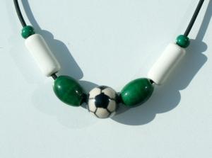 Halskette für Fußball-Fans grün--weiß - Handarbeit kaufen