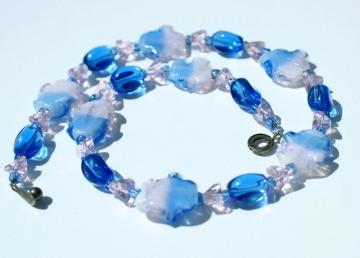 Kinderkette KLEINE WOLKEN Mädchen Glasperlen rosa blau gewellt romantisch verspielt Geschenk  - Handarbeit kaufen